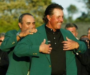 Phil Mickelson receives green jacket