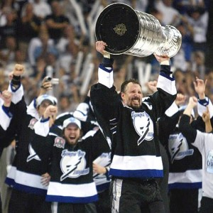 Lightning captain Dave Andreychuk with '04 Cup