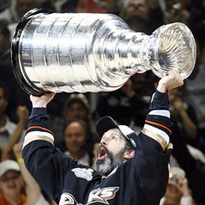 Ducks' defenceman Scott Niedermayer and the '07 Cup