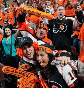 Fans in both Philadelphia and Chicago have played a pivotal role in 2010 Stanley Cup Final