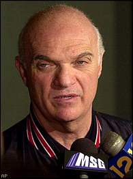 x-lou-lamoriello-24-december-2010.jpg