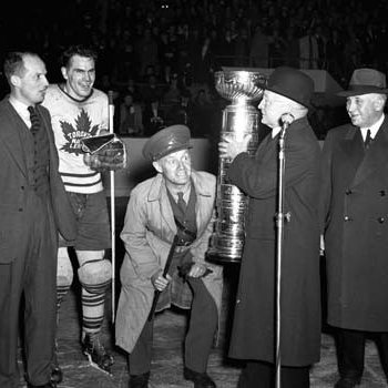 Leafs' GM Conn Smythe, captain Syl Apps accept 1942 Stanley Cup
